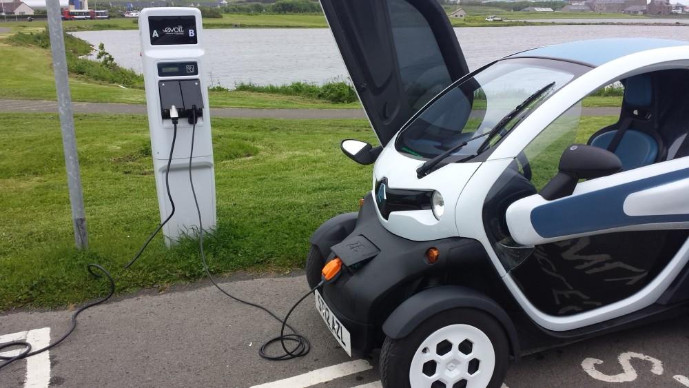 Twizy street charging